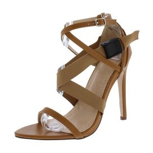 🐻 BRAND NEW IN BOX Tan Side Clip Strappy Heels 🐻